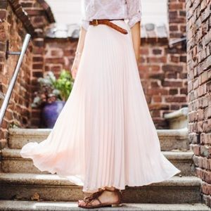 LC Lauren Conrad Pink Pleated Maxi Skirt